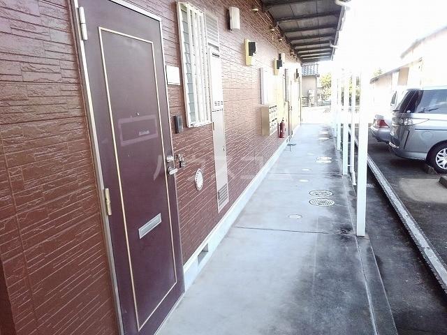 コートヤード 01010号室のエントランス