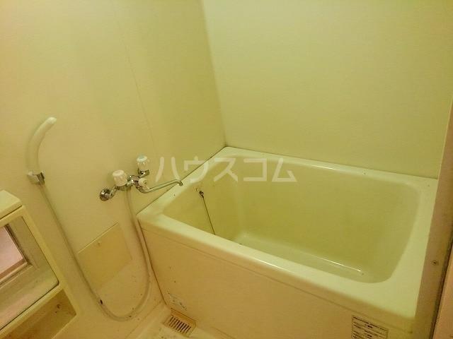 コートヤード 01010号室の風呂