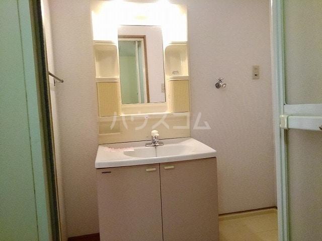 コートヤード 01010号室の洗面所