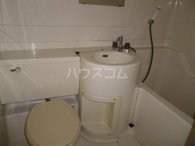 メゾン中居A 204号室の風呂