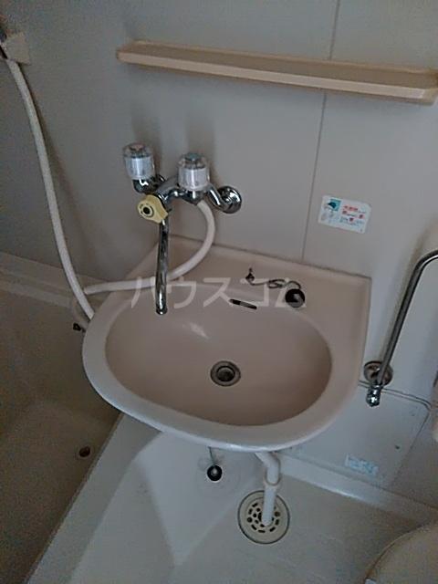 アトリエ草薙館 101号室の洗面所