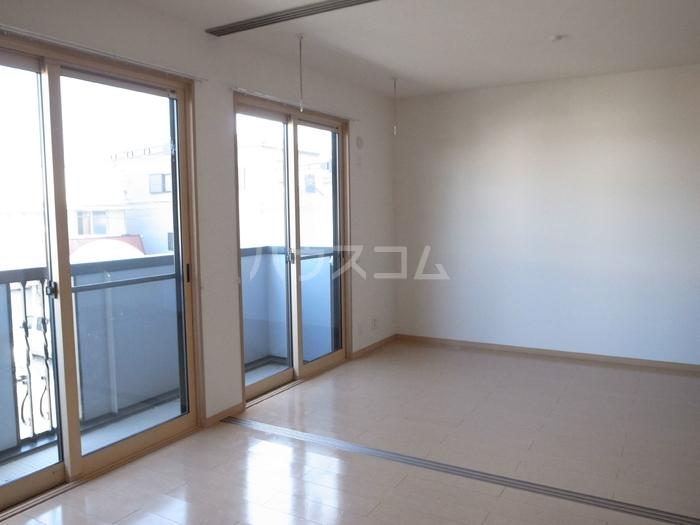 リヴェール 202号室の居室