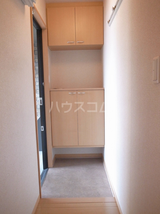 リヴェール 202号室の玄関