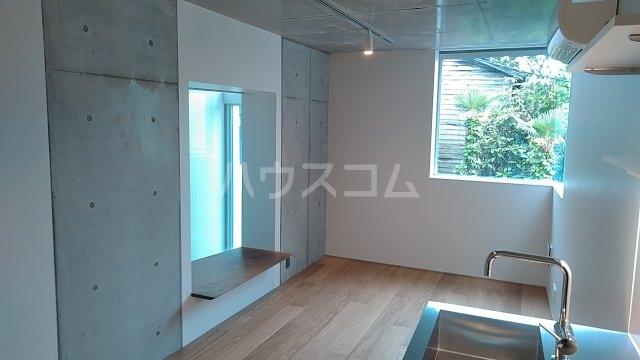 Solana Takanawadai 101号室の居室