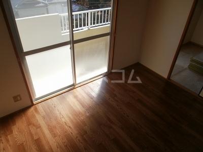 平成ビル 402号室のベッドルーム