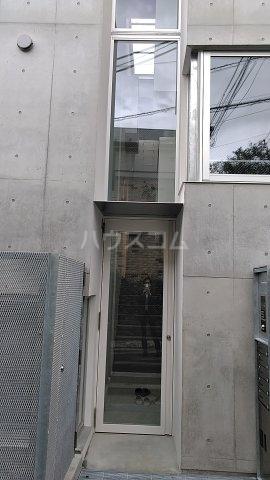 Solana Takanawadai 303号室のエントランス