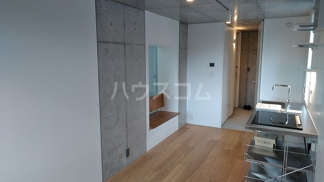 Solana Takanawadai 303号室の居室