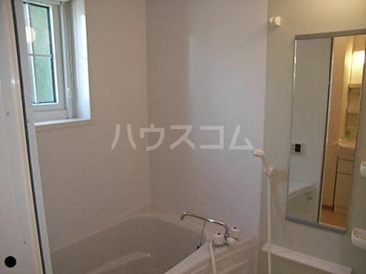 ラフレシールA 01010号室の風呂