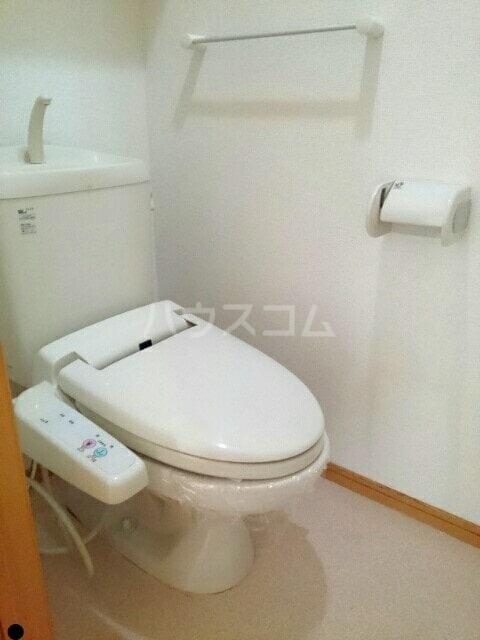 ラフレシールA 01010号室のトイレ