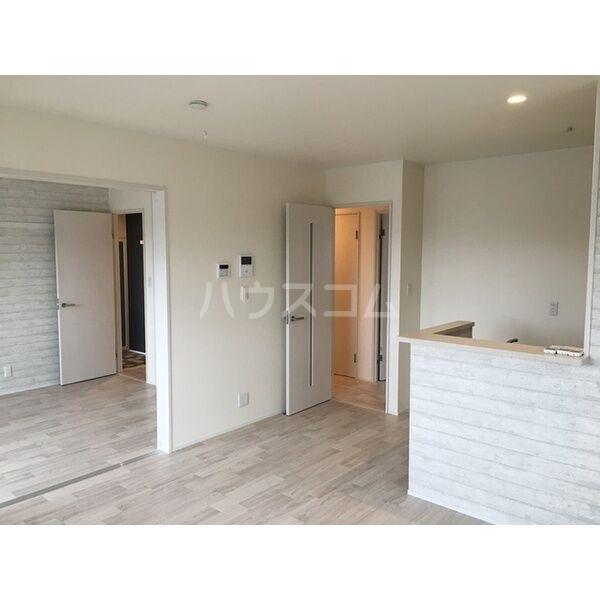 グランルーチェA 201号室の居室