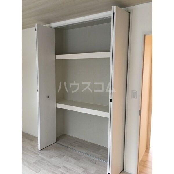 グランルーチェA 201号室の収納