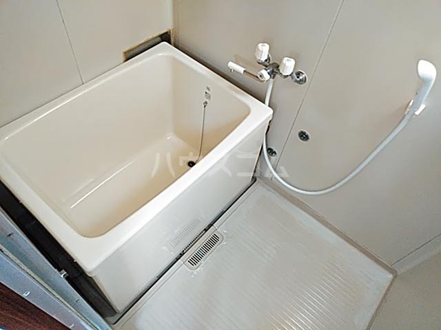 アップルハイツ 101号室の風呂