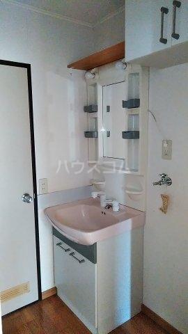 コンチェルト・ハウスA 101号室の洗面所