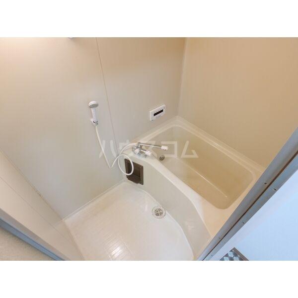 エクスクリエ高畑 103号室の風呂