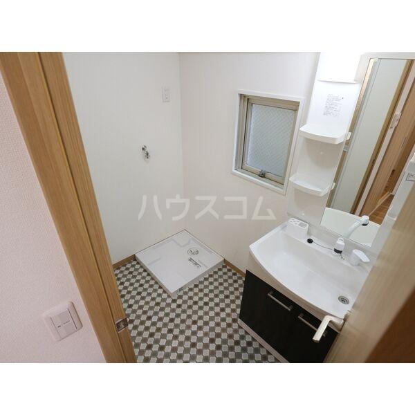 エクスクリエ高畑 103号室の洗面所
