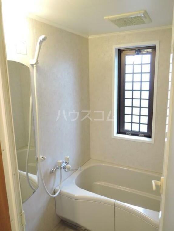 PLATEAU 203号室の風呂
