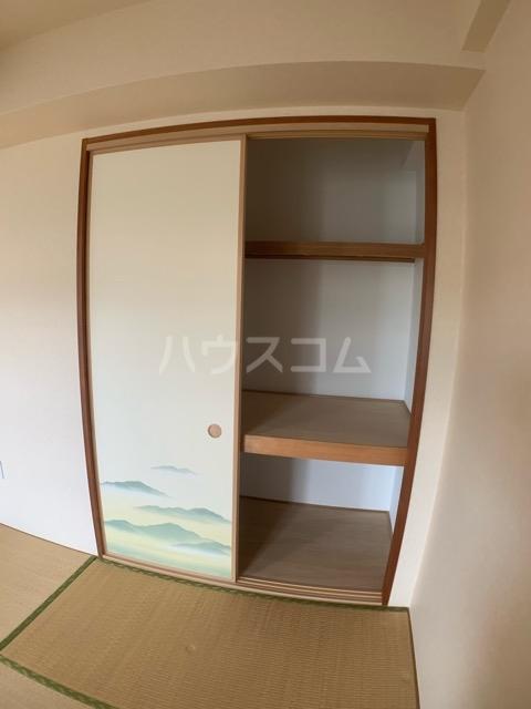 アンビシャスヒル船橋 204号室の居室