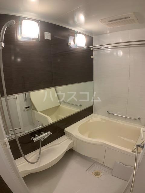 アンビシャスヒル船橋 204号室の風呂