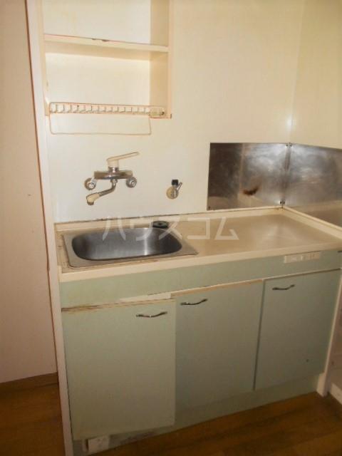クードシャンスⅢ 102号室のキッチン