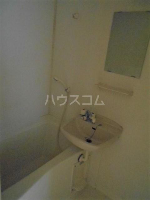 クードシャンスⅢ 102号室の居室