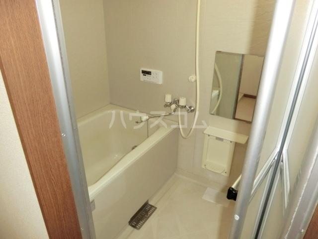 NewリファインドC 01010号室の風呂