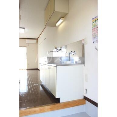 プリンスヒルB 108号室のキッチン