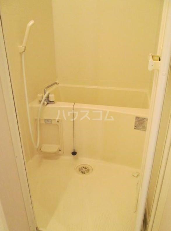 ランドヒルズ妙蓮寺 101号室の風呂