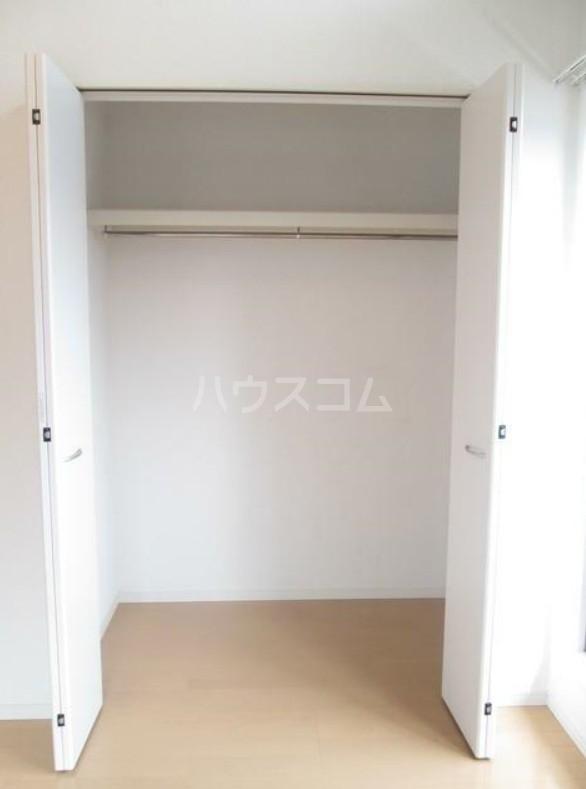 ランドヒルズ妙蓮寺 101号室の収納