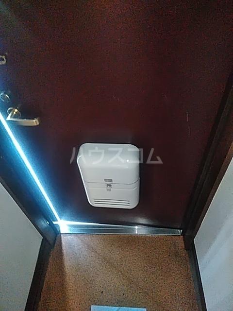 レジデンスGOOD 102号室の玄関
