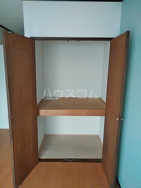 レジデンスGOOD 102号室の収納