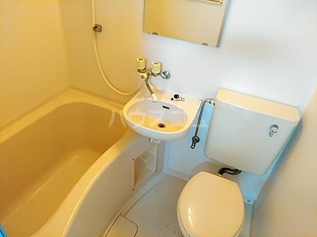 ラフォーレ小野原 201号室の風呂