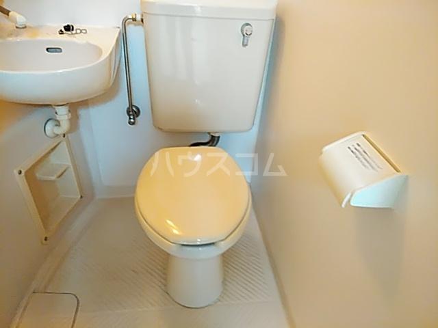 ラフォーレ小野原 201号室のトイレ