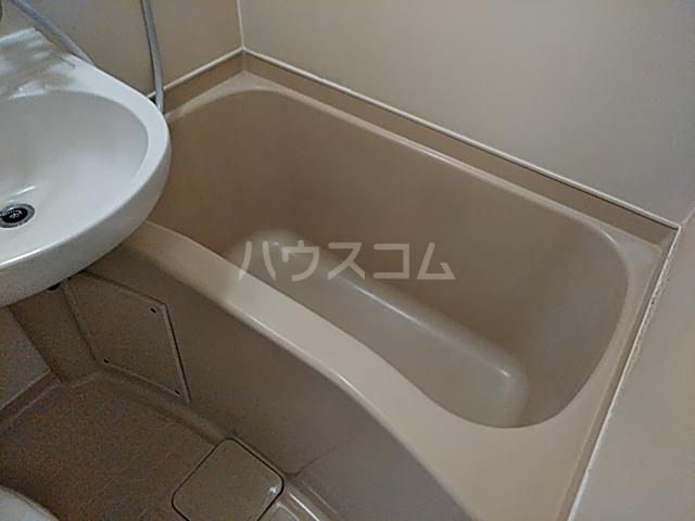 城北セブンティーン 302号室の風呂