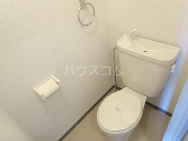 エトワール桂 102号室のトイレ
