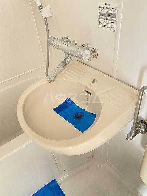 ウインベル川崎第10 202号室の玄関