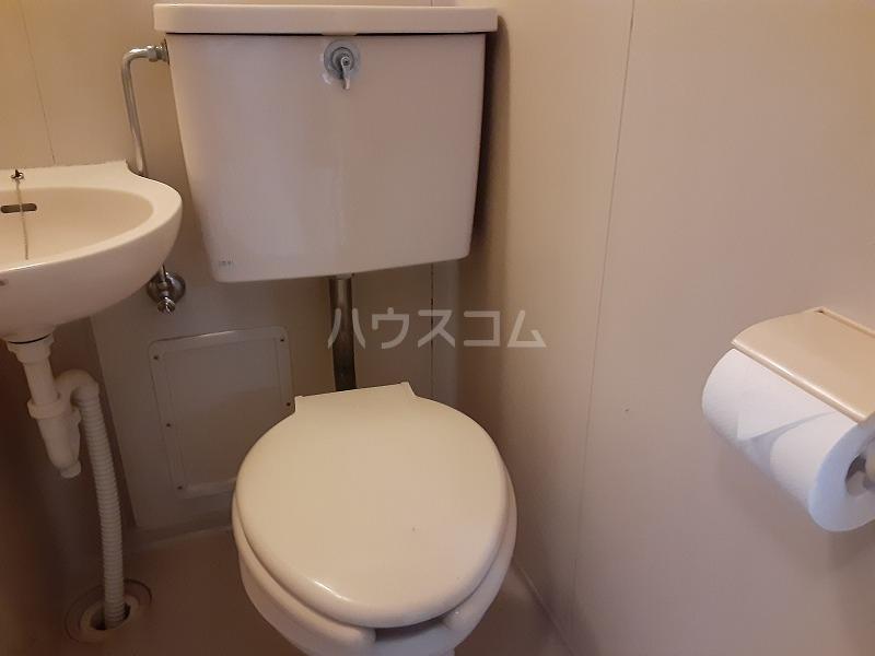 柏屋ビル 305号室のトイレ