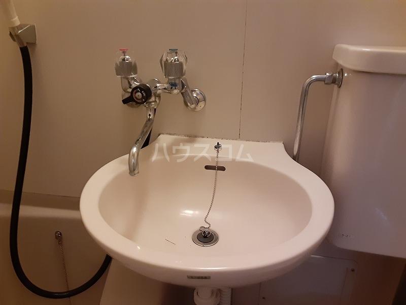 柏屋ビル 305号室の洗面所