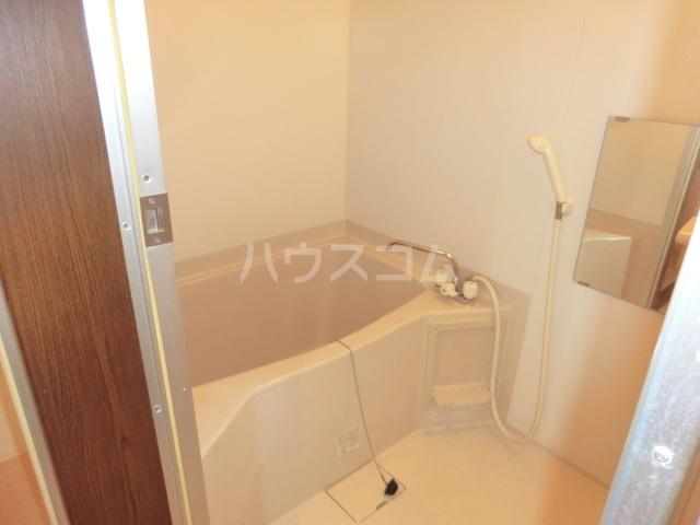 第一磯屋敷マンション 4C号室の風呂