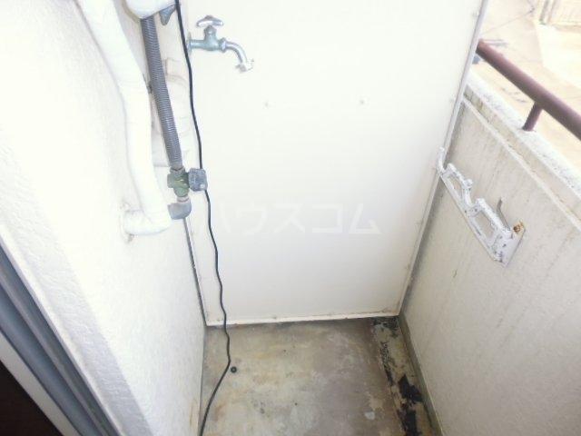 サンモール林 209号室の玄関