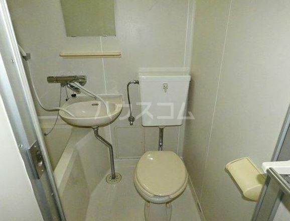 ハイム尾嵜小金井B棟 201号室のトイレ