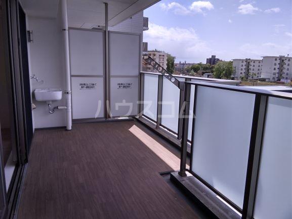 プレミスト鳴子北ヒルズフォート 504号室の駐車場