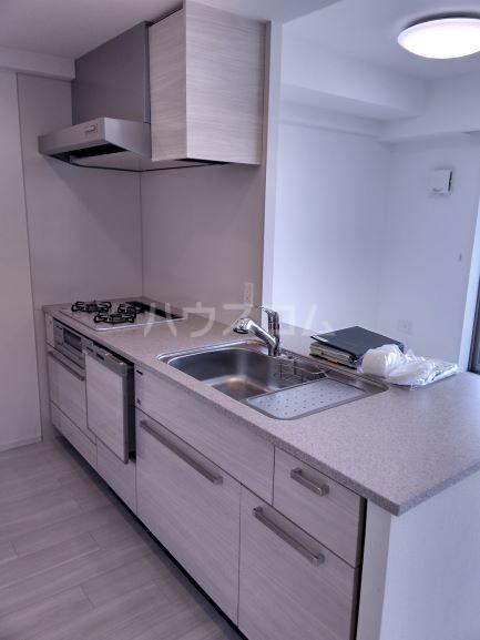 プレミスト鳴子北ヒルズフォート 504号室のキッチン