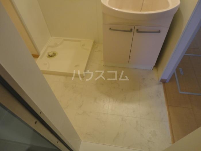 ウィステリア原 101号室の洗面所