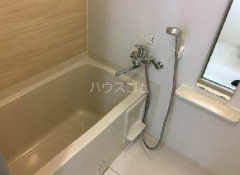 クレアシオン三軒茶屋 102号室の風呂