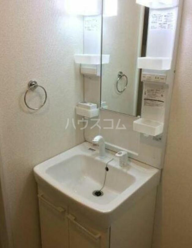 クレアシオン三軒茶屋 102号室の洗面所