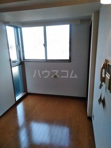 菱和パレス高輪TOWER 208号室のリビング