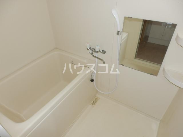 エテルノ 101号室の風呂
