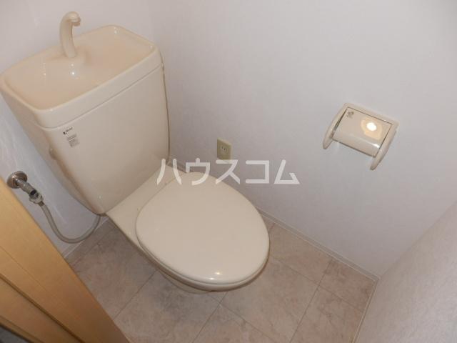 エテルノ 101号室のトイレ