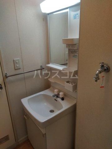 コーポますやリバーサイド 103号室の洗面所
