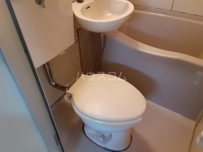 柏屋ビル 203号室のトイレ